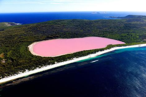Красное озеро Автралия