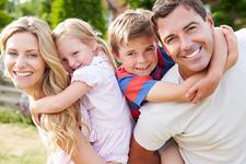 Когда можно забрать семью в Канаду?